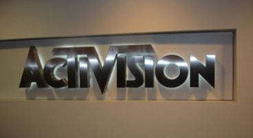 Activision shares dip after news of lower World of Warcraft subscribers