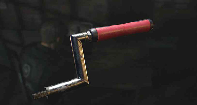 Resident Evil 2 Remake Crank Handle - Where is the Square Crank Tool?